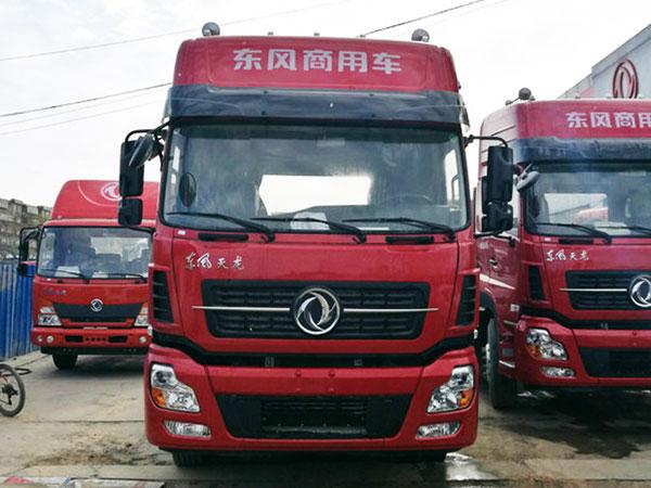 東風商用車-新天龍重卡-啟航版-420馬力-6X4牽引車(DFH4250A4)