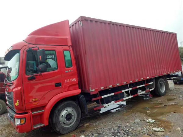 江淮單橋廂式貨車。7.8米。玉柴。四缸機。160馬力。法士特小八檔高低速。