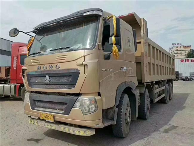 豪沃T7H,400馬力前四後八,7.8米貨箱