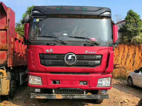 陝汽德龍x3000,濰柴430馬力前四後八自卸車
